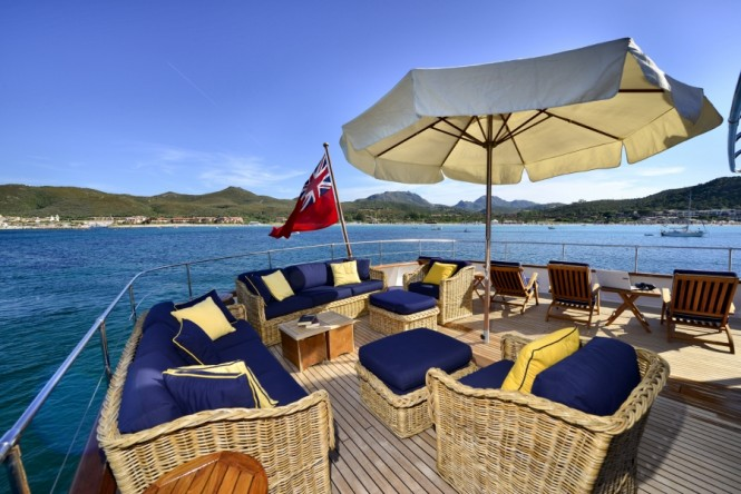 Sundeck seating on luxury yacht COMMITMENT