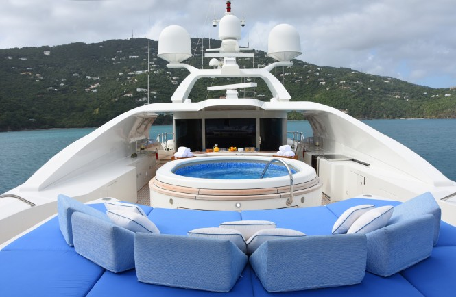 Superyacht LADY MICHELLE - Sundeck and Jacuzzi