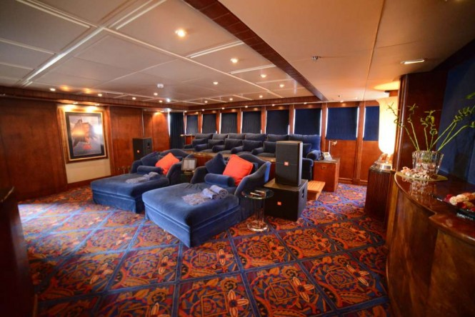 Superyacht NOMAD - Cinema
