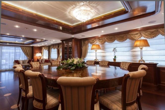 Superyacht PRIDE - Formal Dining