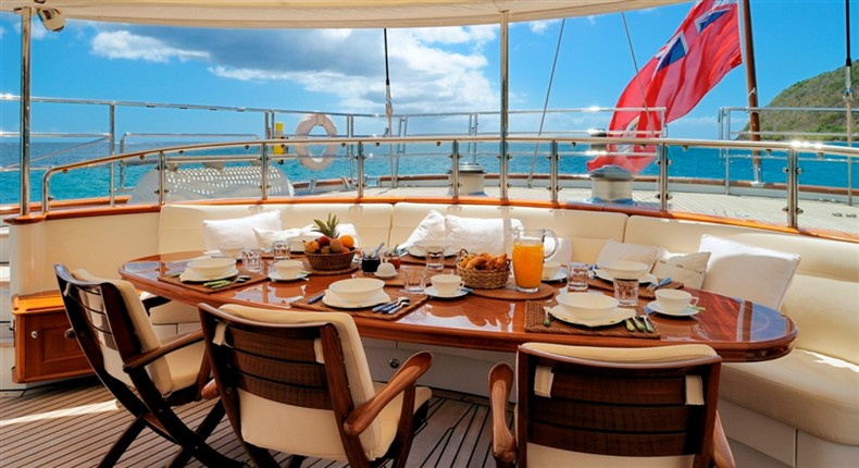Brakfast aboard Sailing Yacht DRUMBEAT by Dubois Naval Architects