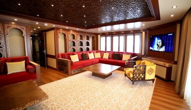 Dusur-Yacht-Upper-Deck-Diwaniya