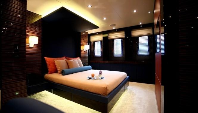 Dusur-superyacht-Guest-Cabin-