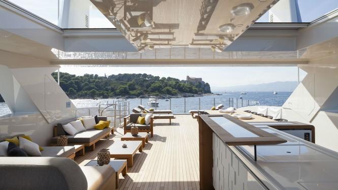 Luxury yacht MR. T - Flybridge