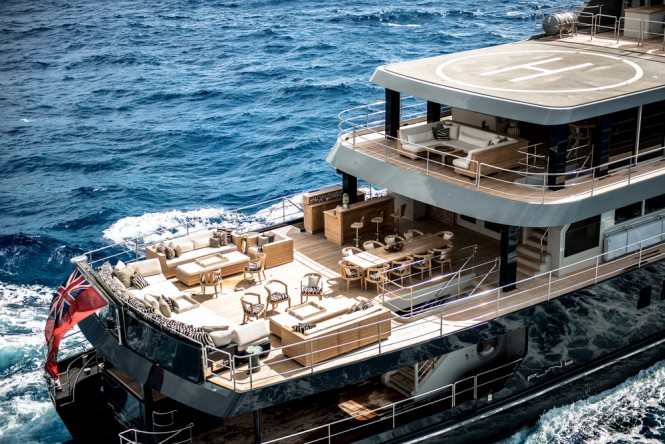Luxury yacht PLAN B - Entertainment on the main deck