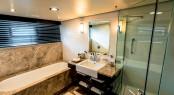 Luxury yacht PLAN B - Guest bathroom