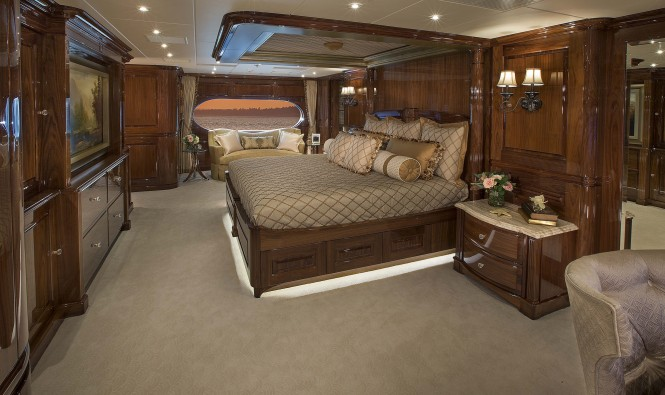 Luxury yacht SILVER LINING - Master stateroom
