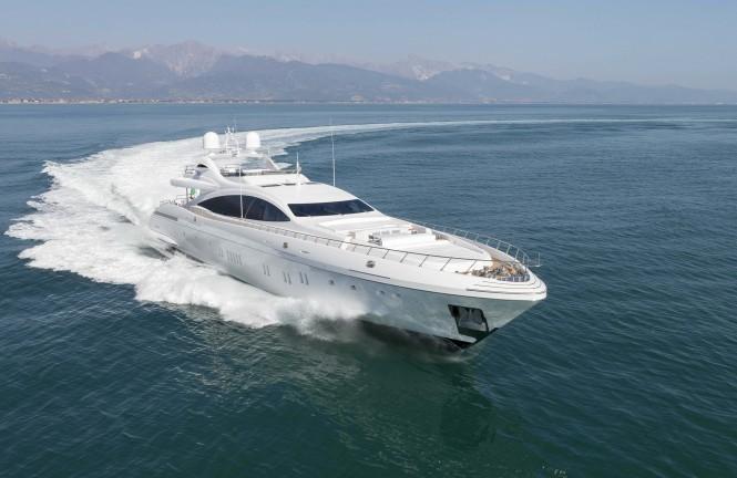 Motor yacht DA VINCI - Built by Mangusta (Overmarine)