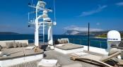 Motor yacht INDIAN - Sun loungers on the sundeck