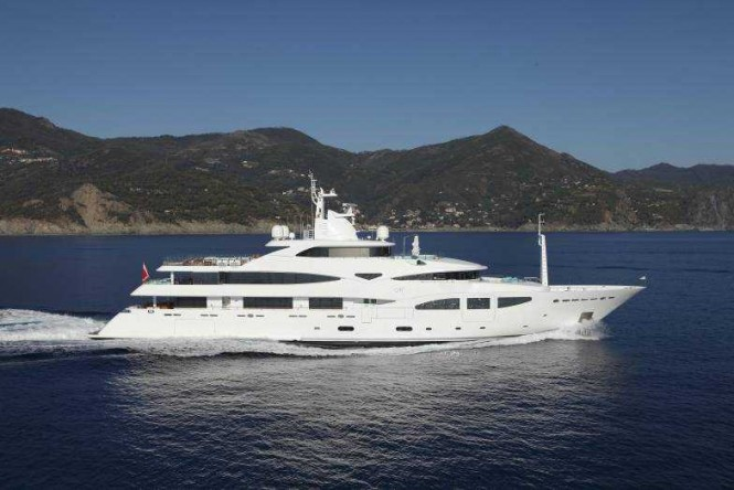Motor yacht RAMBLE ON ROSE - Built by CRN