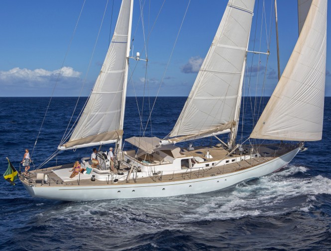 Sailing yacht JUPITER udnerway