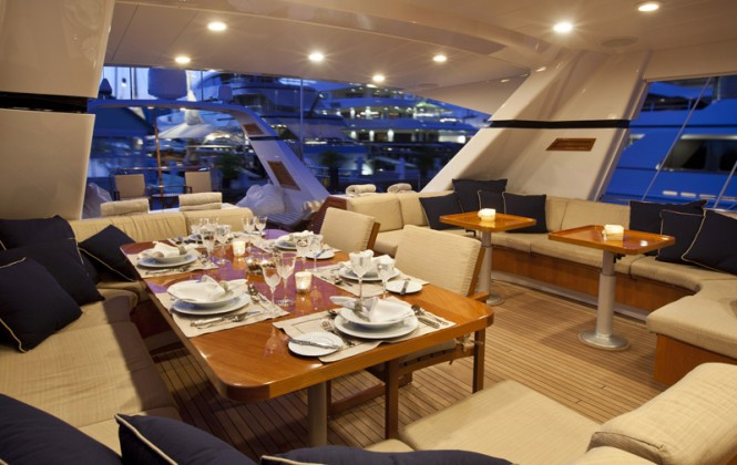 Sailing yacht REE - Alfresco dining in the cockpit