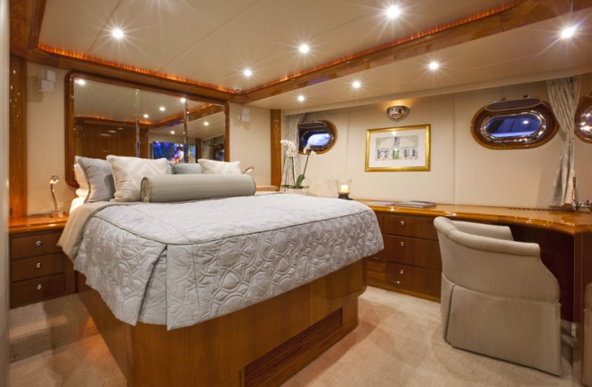 Sailing yacht REE - Master suite
