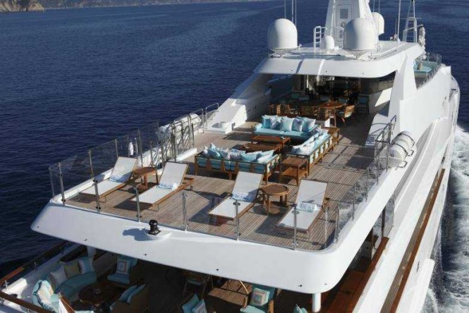 Sundeck and upper deck aft aboard luxury yacht RAMBLE ON ROSE. Photo credit: CRN