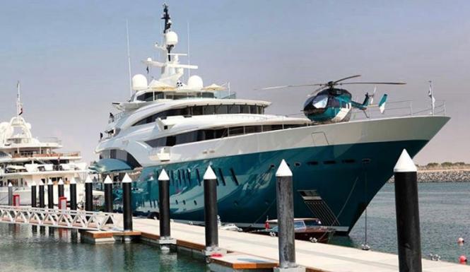 Sunrays at Abu Dhabi Yas Marina. Photo @yachthelicopters