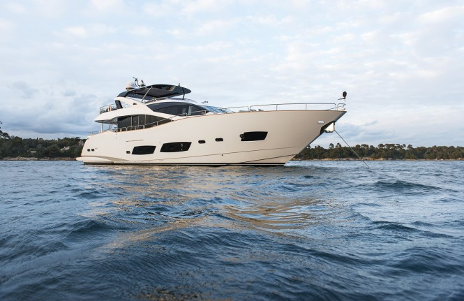 Sunseeker superyacht TWENTY EIGHT
