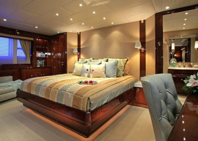 Superyacht CASTELLINA - Master suite