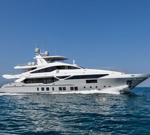 Unwind on a Bermuda and Bahamas charter aboard luxury yacht H