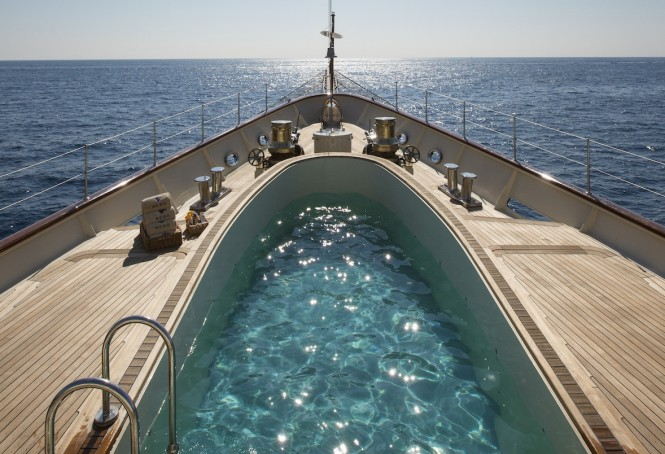 Motor yacht Nero - foredeck pool