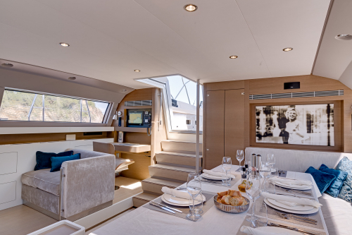 CNB sailing yacht J SIX - Salon