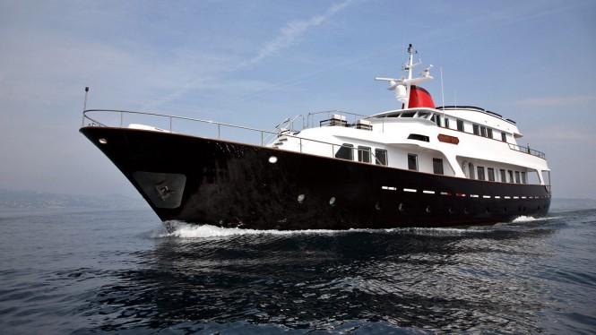 Classic Benetti yacht HAPPY DAY
