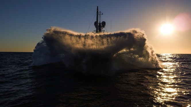 Gene Machine breaking waves. Photo credit Sam Jolliff