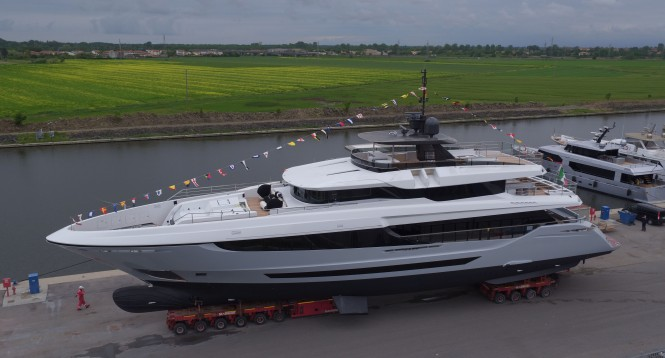 Hull #2 Mangusta Oceano 42 launched in Italy