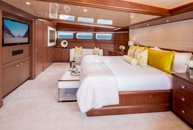 Luxury yacht AT LAST - Master suite