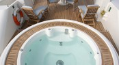 Luxury yacht DEEP BLUE II - Jacuzzi on the sundeck