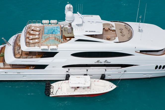 Luxury yacht IMPROMPTU - Aerial view of the spacious sundeck