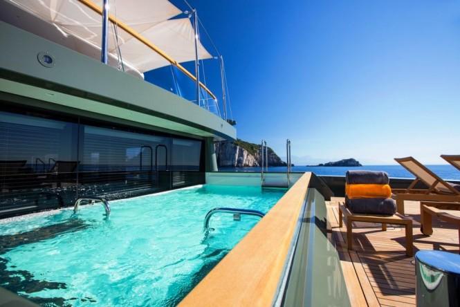 Luxury yacht MOKA - Main deck aft pool