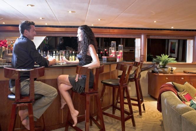Luxury yacht NAMOH - Skylounge bar