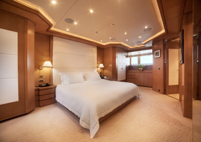 Luxury yacht OASIS - Master suite