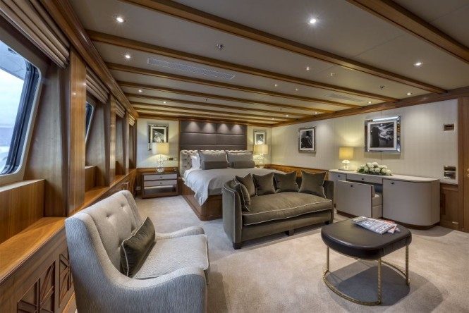Master suite aboard motor yacht THE WELLESLEY