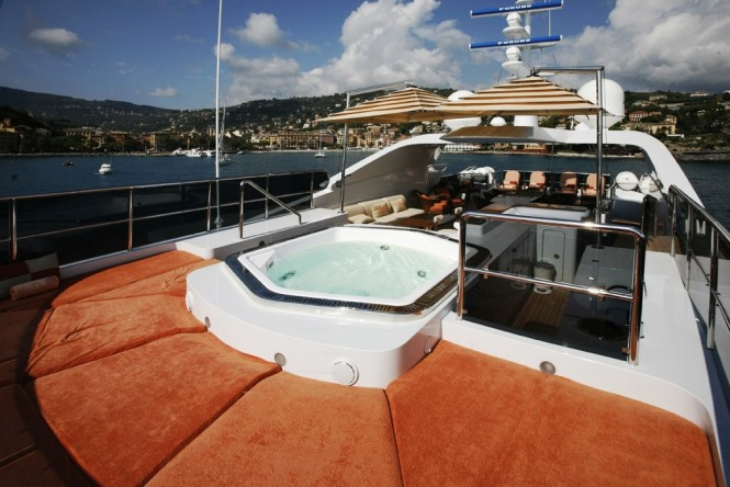 Motor yachct DIANE - Spa Pool and sunpads
