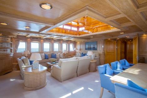 Motor yacht NERO - Skylounge aft view