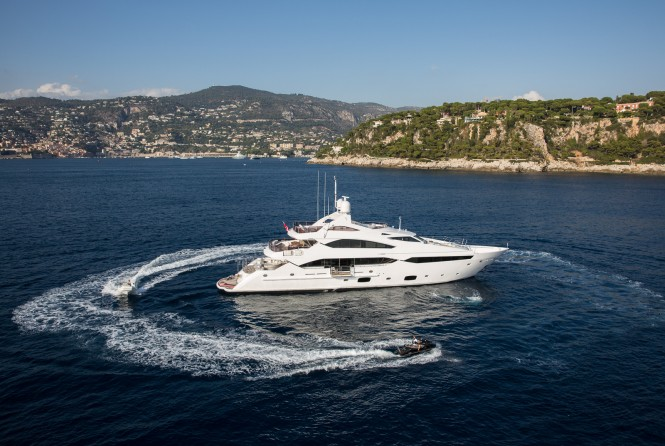 Motor yacht THUMPER - Built by Sunseeker