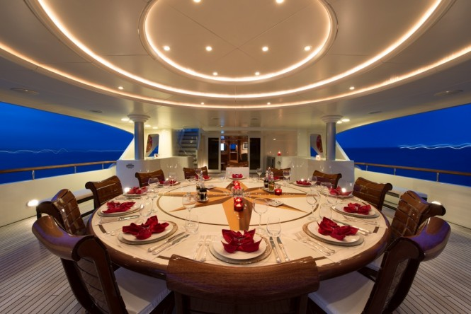 Motor yacht TOMMY - Alfresco dining on the upper deck aft