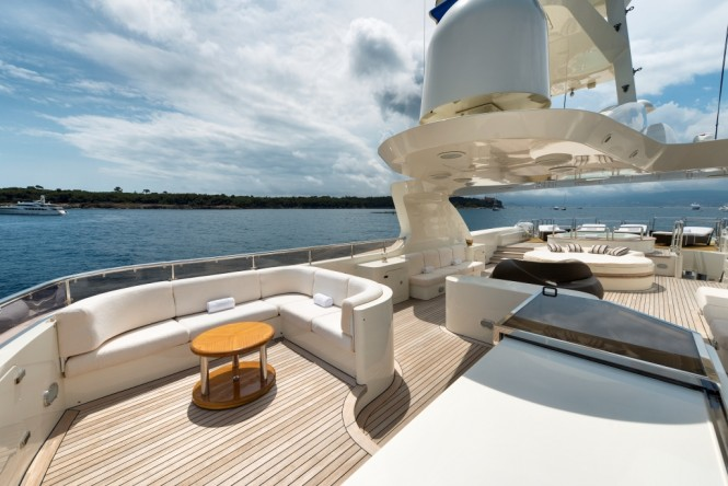 Motor yacht TOMMY - Sun deck seating, sunpads and Jacuzzi