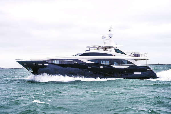 Open yacht KOHUBA - Built by Princess Yachts