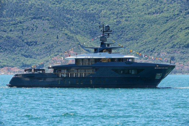 Sanlorenzo460EXP motor yacht Ocean's Four launched in Italy