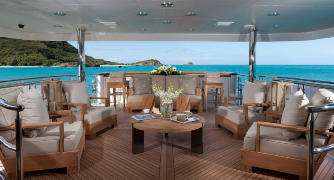 Superyacht IMPROMPTU - Main aft deck lounging