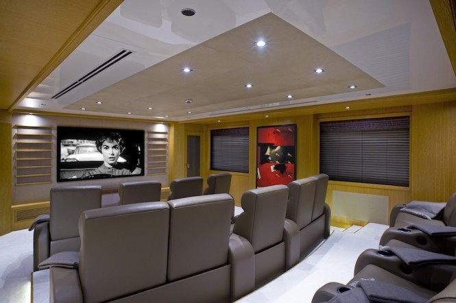 Superyacht INDIAN EMPRESS - Cinema