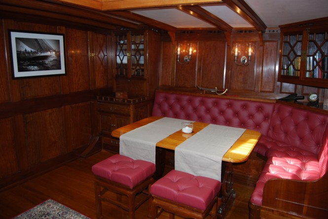 Superyacht MOONBEAM IV - Salon