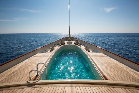 Superyacht NERO - Foredeck swimming pool