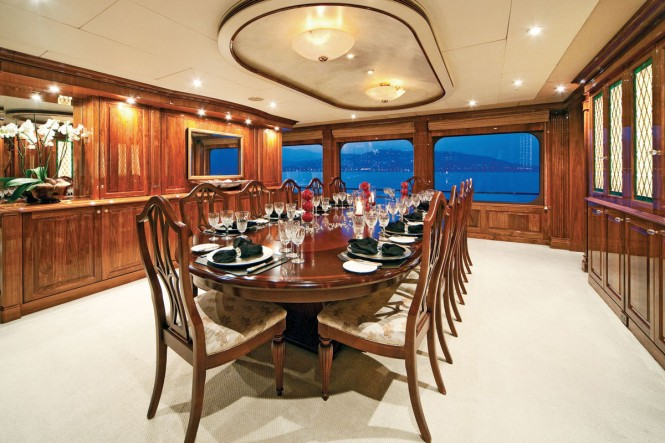 Superyacht ONE MORE TOY - Formal dining area
