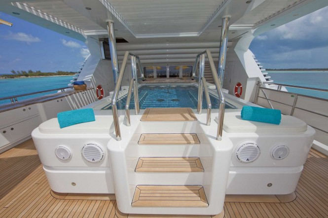 Superyacht TITANIA - Upper Deck spa pool with bar seating