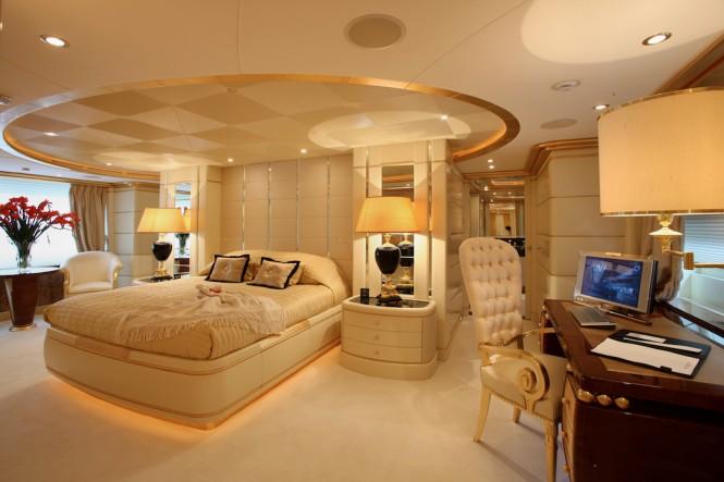 Benetti FB238 Platinum Master cabin