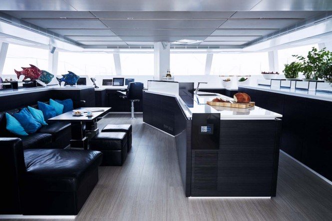 Luxury catamaran 19th HOLE - Saloon and galley