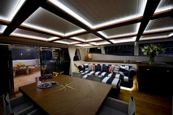 Luxury catamaran LUCY Z - Salon at night
